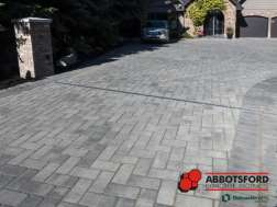 Estate Stone Granite with Granite colored sand in a 90º herringbone pattern